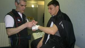 13-Gianni Medda, maestro , tecnico e istruttore prepara Andrea Cavagna
